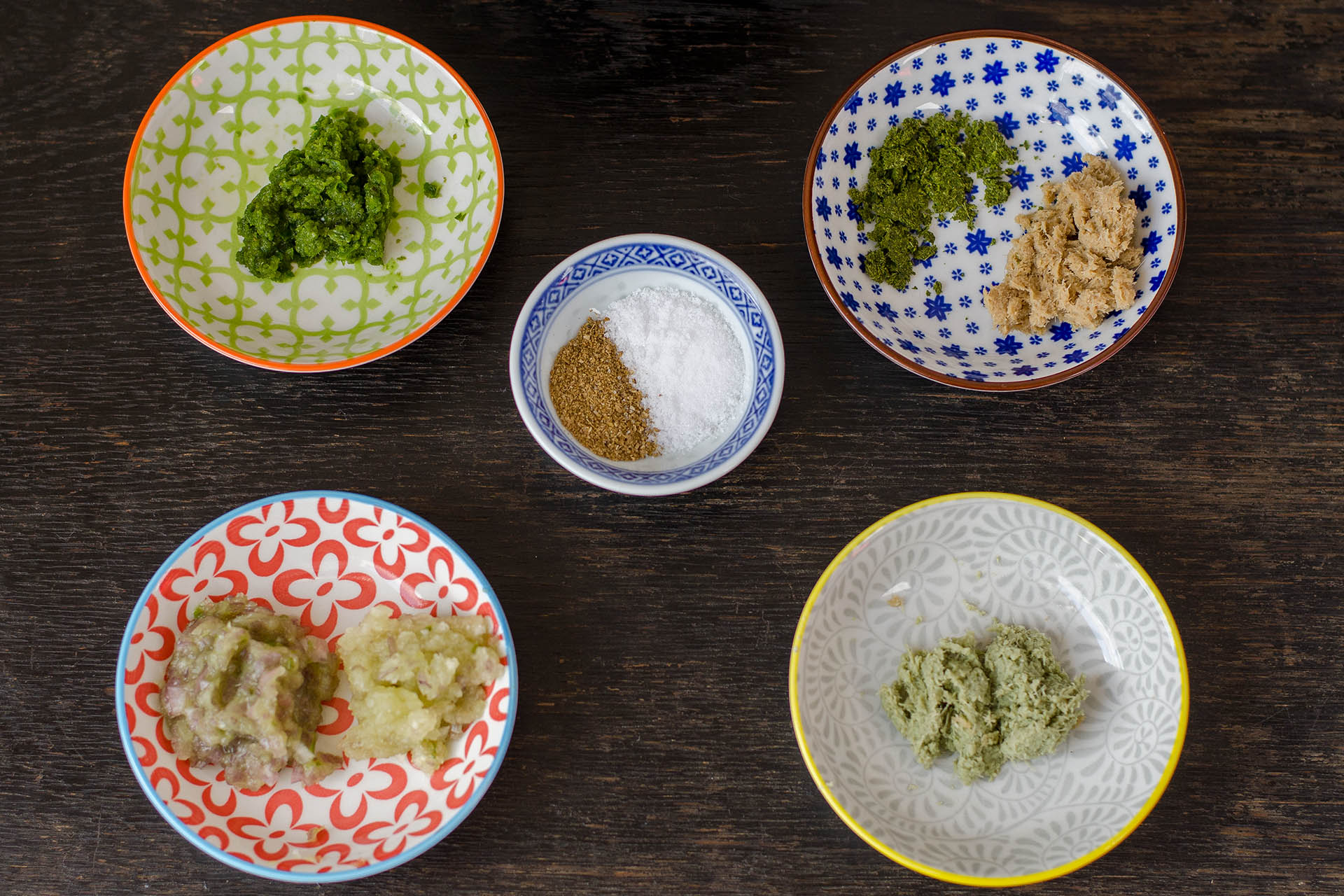 Gestampfte Zutaten grüne Curry Paste
