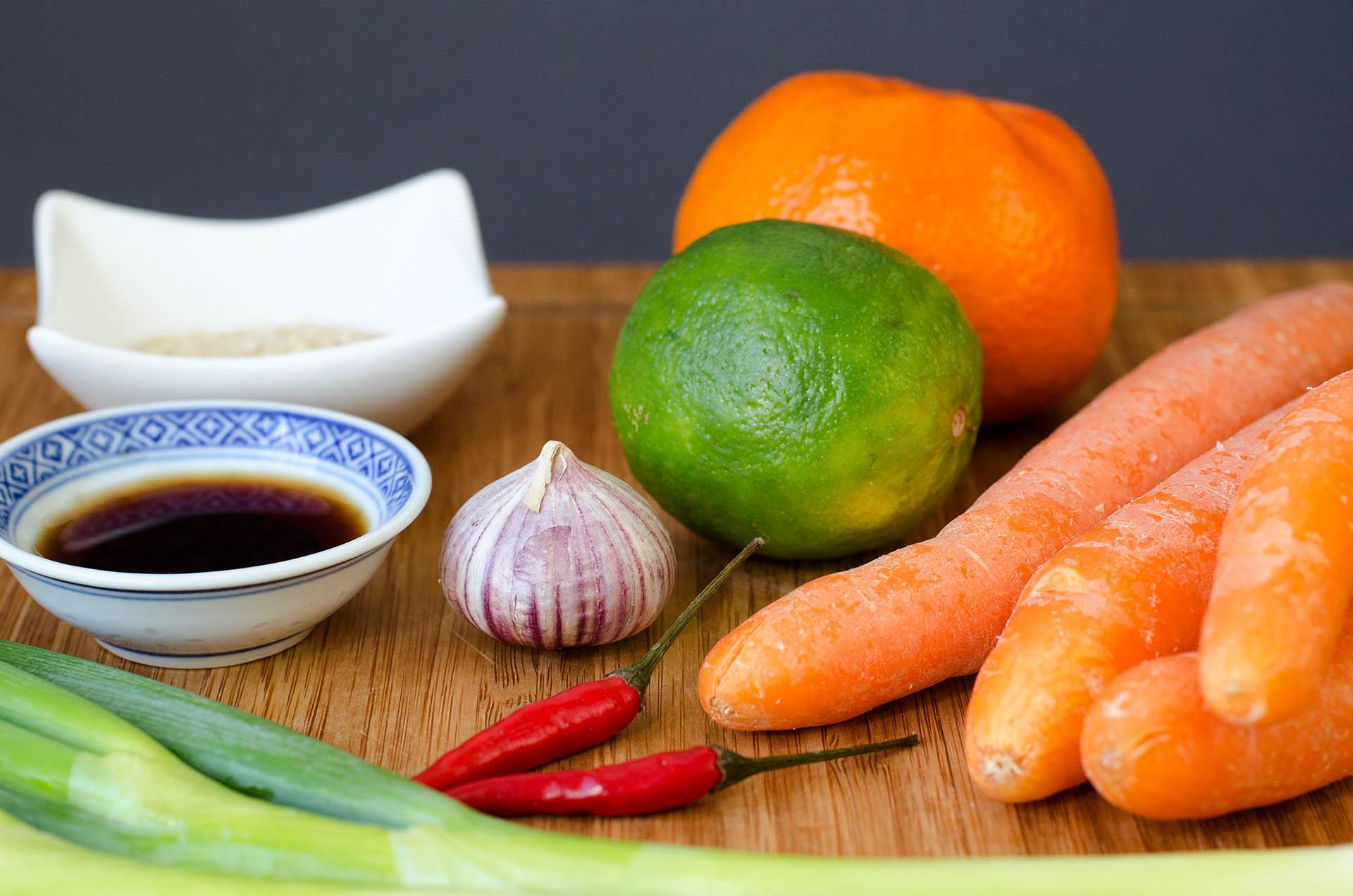 Zutaten für den Möhrensalat im Asia Style