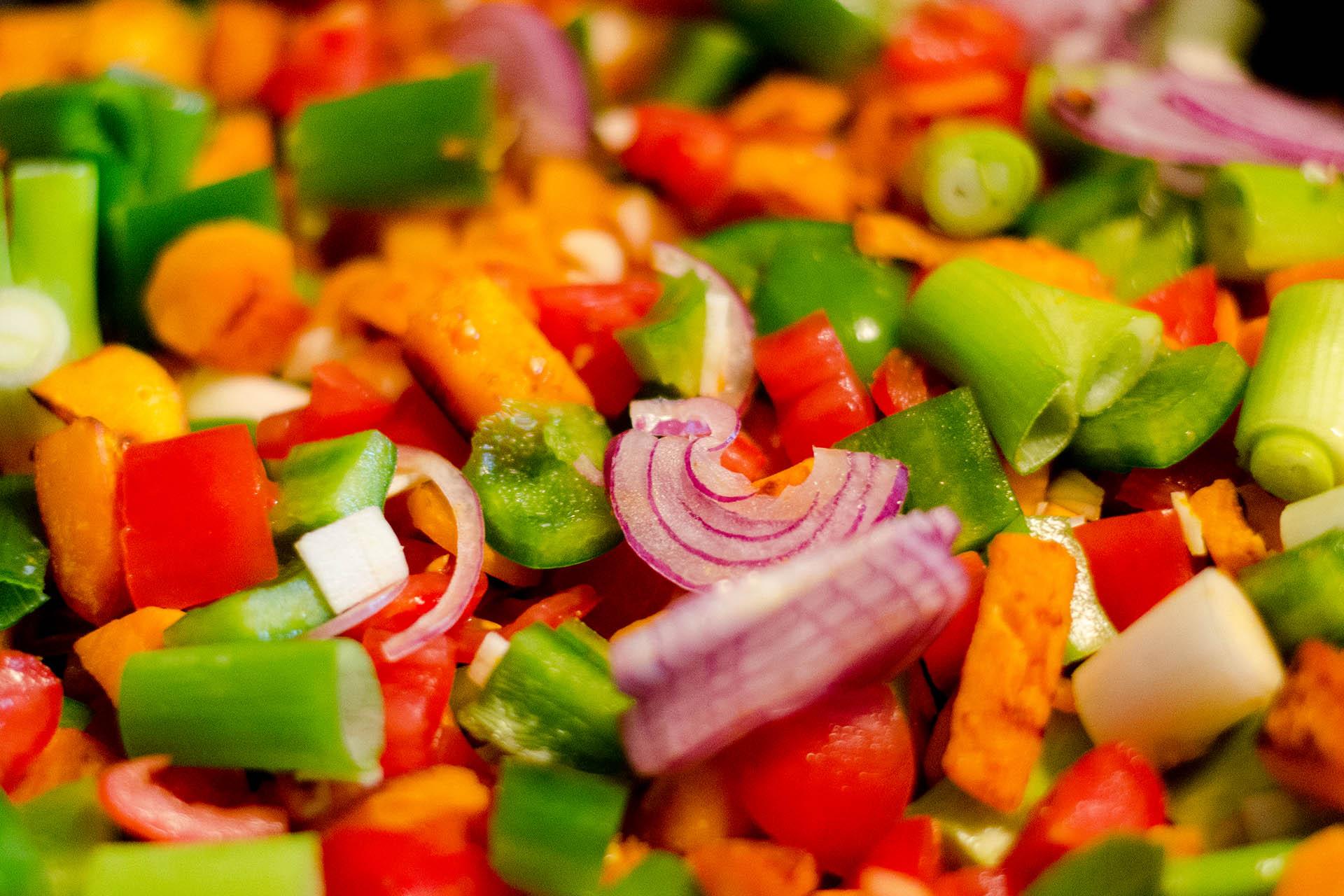 Zutaten für ein Grünes Curry mit Hokkaido Kürbis und Süßkartoffel im Wok