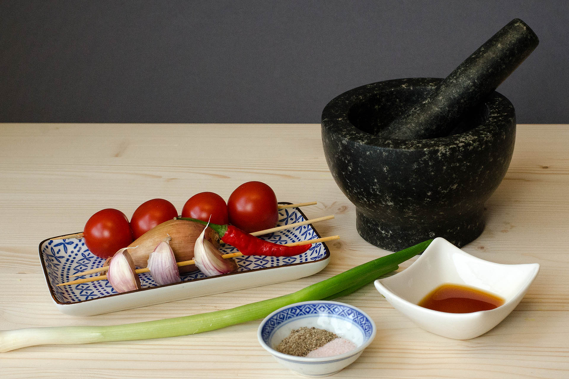 Zutaten für den laotischen Tomaten Dip Jeow Mak Len
